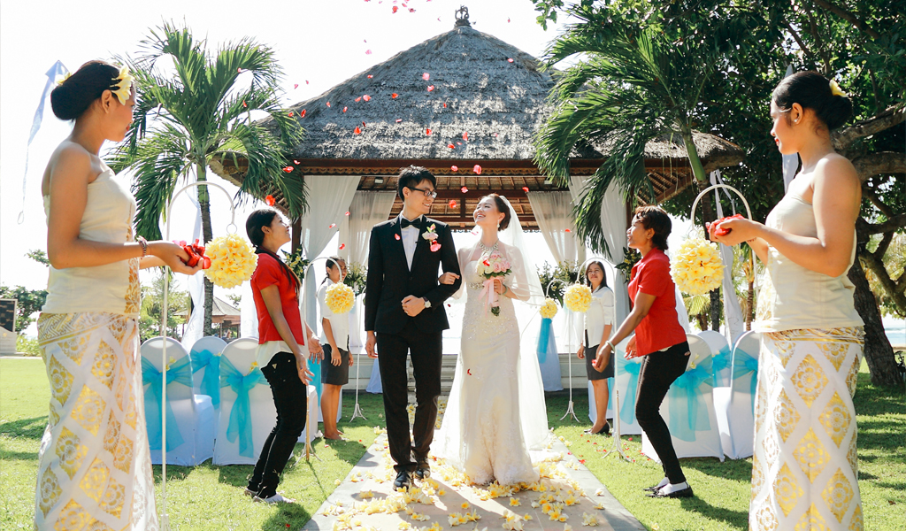 paket wedding bali beachfront