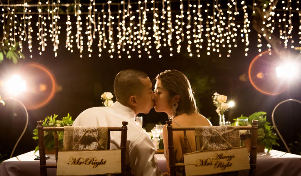 happy couple kissing on their bali wedding may 2019