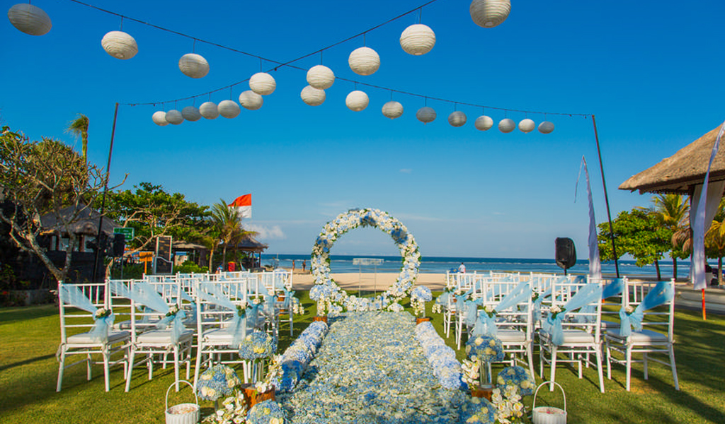 white and blue decoration for bali beach wedding